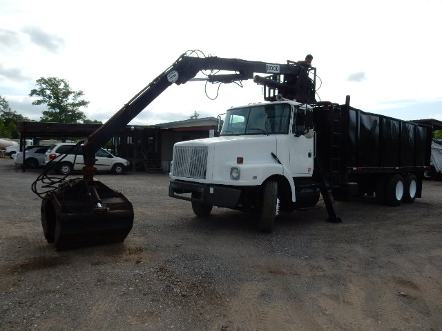 95 VOLVO GRAPPLE BRSH DMP 8597 (12)