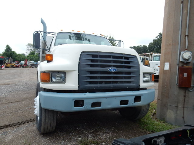 97 FORD F800 LUBE 7457 (3)