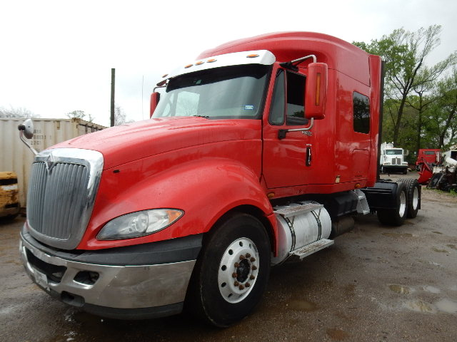 """Front Side view of 08 International Prostar Premium Truck Tractor with 64"""" mid roof sleeper"""