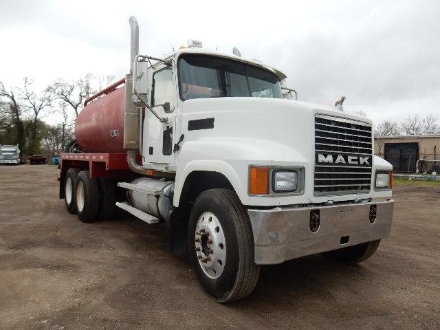 06 MACK CHN613 VAC 5940 (9)