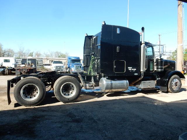 05 PETE 379 BLACK TT 4308 (13)