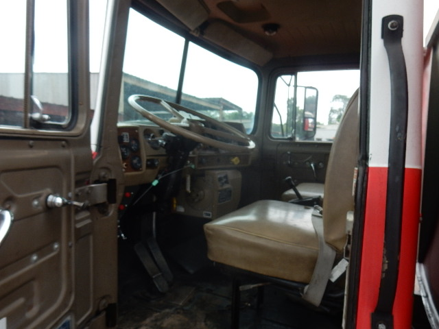 83 MACK FIRE TRUCK 2438 (7)
