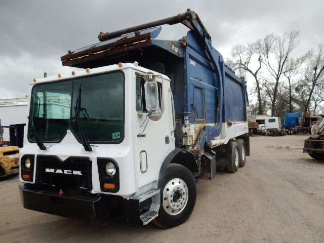 08 MACK MR 688 GARBAGE 1188 (2)