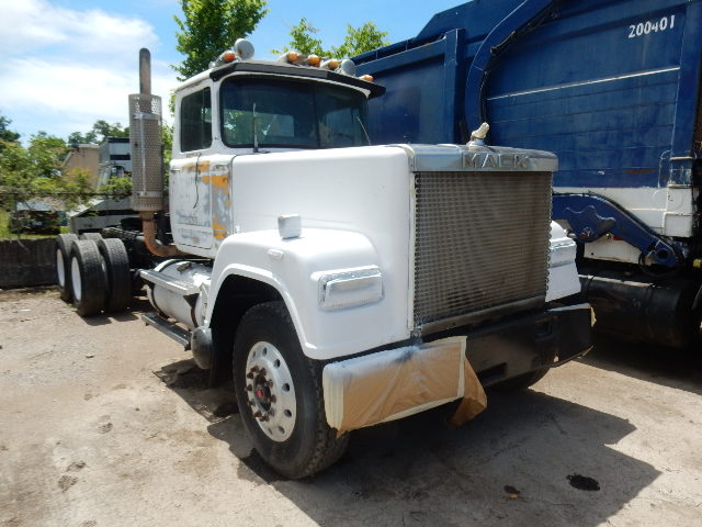 85 MACK SUPERLINER 1149
