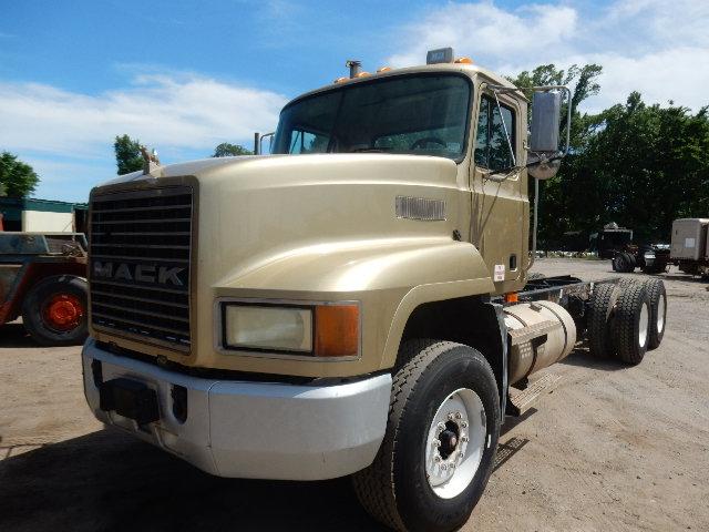 02 MACK CH613 5513