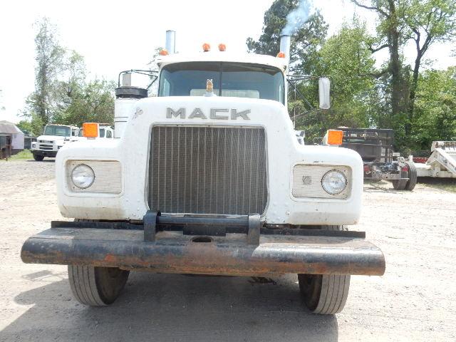 76 MACK TT 0426 (3)