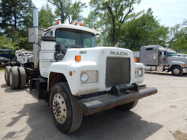 76 MACK TT 0426