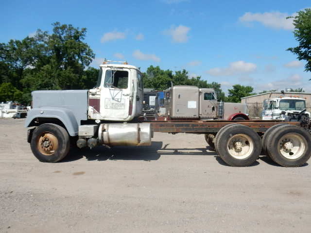 82 MACK SUPERLINER 1092 (2)