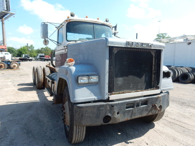 82 MACK SUPERLINER 1092 (3)