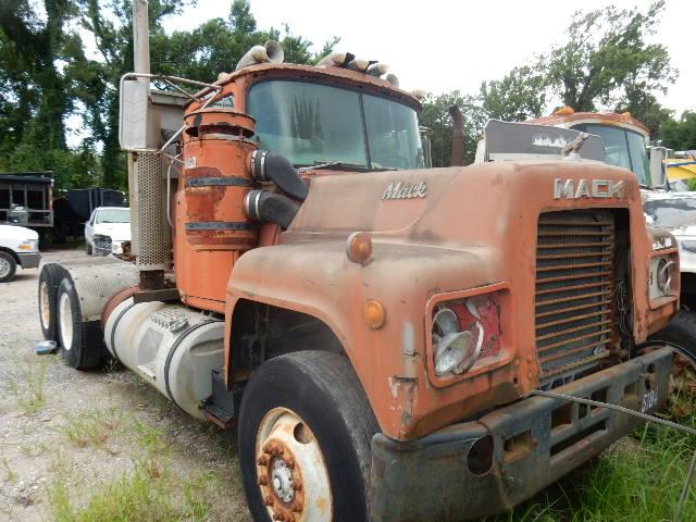 80 MACK TT 1996 (2)