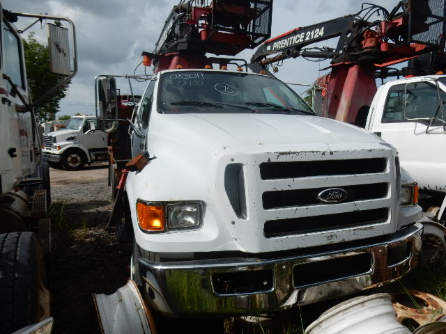08 FORD F750 GRAPPLE 7512